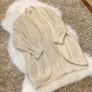 EUC Forever 21 Cream Knit Cardigan🌟